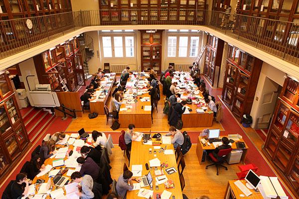 Bibliothèque Garrigou, salle de travail et étudiants, Anciennes facultés